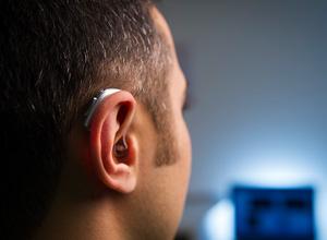 Projeto proíbe autoescolas de cobrarem a mais de deficiente auditivo