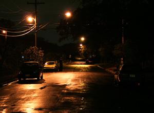 Mulher que sofreu acidente por falta de iluminação na rua será indenizada