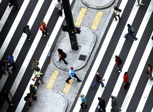 Assim como os carros, os pedestres também têm algumas regras a serem seguidas