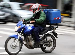 As atividades de trabalhador em motocicleta também são consideradas perigosas