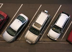 O estacionamento é responsável por objetos deixados dentro do carro