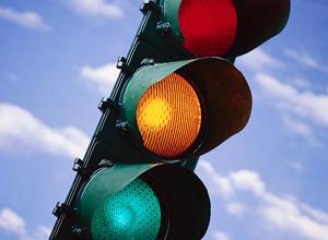 Tanto motoristas, quanto pedestres precisam seguir regras para uma boa interação do trânsito