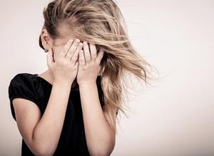 A pessoa que pratica a alienação pode perder a guarda da criança