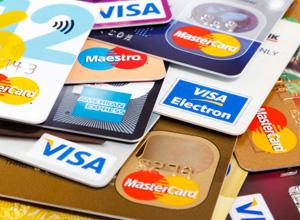 O envio de cartão sem pedido prévio é prática comercial abusiva e autoriza a indenização
