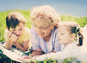 O direito de visita estende-se a qualquer dos avós, observados os interesses da criança