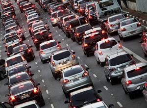 SP vai autuar carros licenciados fora do estado que circulem 20 dias na capital
