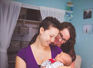 Juíza determina registro com duas mães e sem indicação de doador de sêmen