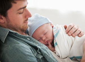 Duração de licença-paternidade reforça desigualdade na criação dos filhos