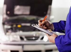 Demora para reparar defeito de automóvel gera direito à restituição, mas não a dano moral