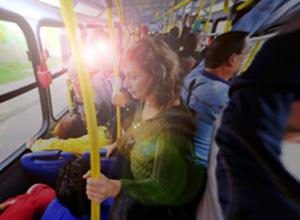 Vítima de assédio em transporte público pode propor ação contra concessionária
