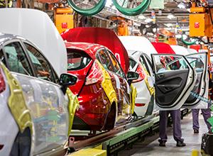 Fabricantes devem indenizar consumidor após carro zero apresentar defeito