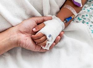 Família de criança morta após equívoco em diagnóstico será indenizada por médicos