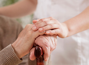 Amparo social ao idoso não enseja benefício de pensão por ter natureza assistencial