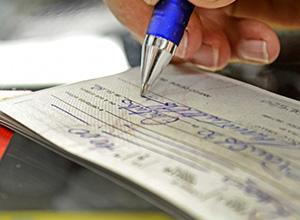 Cliente cotitular de conta corrente em dívida com o banco tem direito de rescindir contrato
