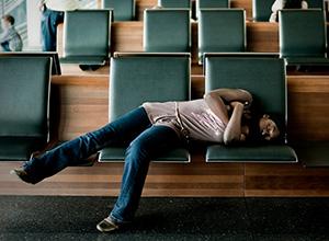 Adolescente que varou madrugada à espera de embarque em aeroporto será indenizada