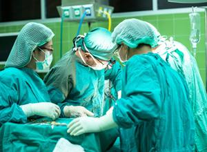 Hospital é condenado por erro médico que resultou em coma irreversível de paciente