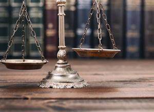 Advogada de banco não tem direito à jornada de bancário