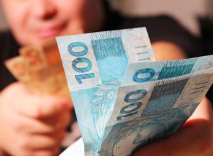 Empresa é condenada a indenizar funcionário que ficou sem salário após alta previdenciária