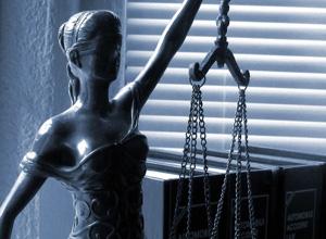 Aposentada pelo INSS segue com direito à pensão por morte do pai