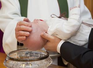 Pai que não foi comunicado sobre batizado da filha deve ser indenizado