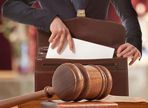 Banco é condenado por desvirtuar intenção de cliente idosa e impingir-lhe prejuízo