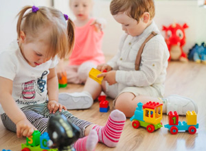 Criança com doença genética que foi afastada de creche será indenizada em R$ 6 mil