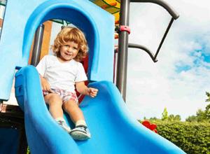 TJ mantém indenização à família de criança que caiu de escorregador em parque infantil