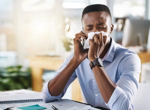Empresas não devem exigir atestado médico de empregados por conta do coronavírus