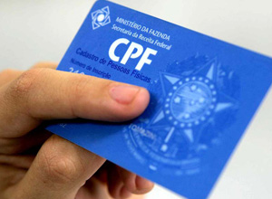 Emissão de CPF em duplicidade para homônimos gera indenização por dano moral