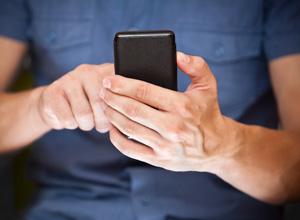 Justiça condena homem que perseguia ex-companheira via aplicativo de conversas