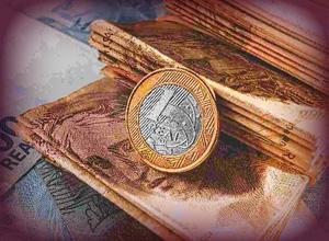 Pagamento à vista de débito fiscal não implica exclusão dos juros de mora